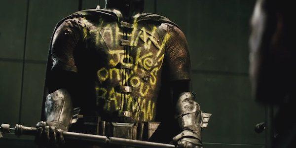 robin-suit-batman-v-superman-600x300