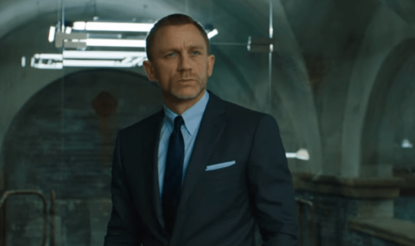 Daniel-Craig-Skyfall-trailer-screenshot-600x357