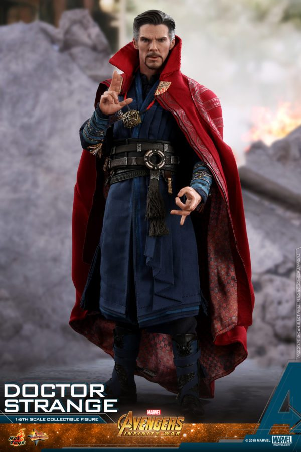 Hot-Toys-AIW-Doctor-Strange-collectible-figure-1-600x900
