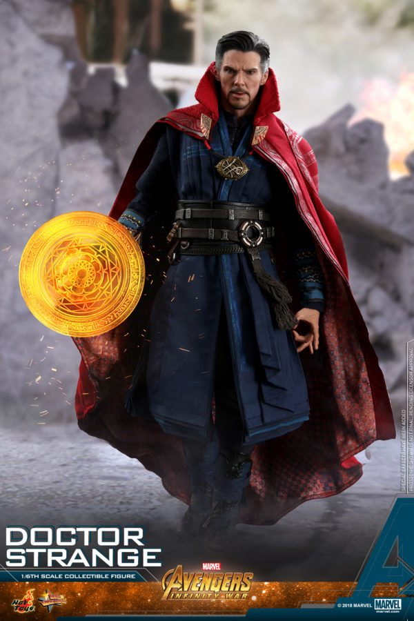 Hot-Toys-AIW-Doctor-Strange-collectible-figure-2-600x900
