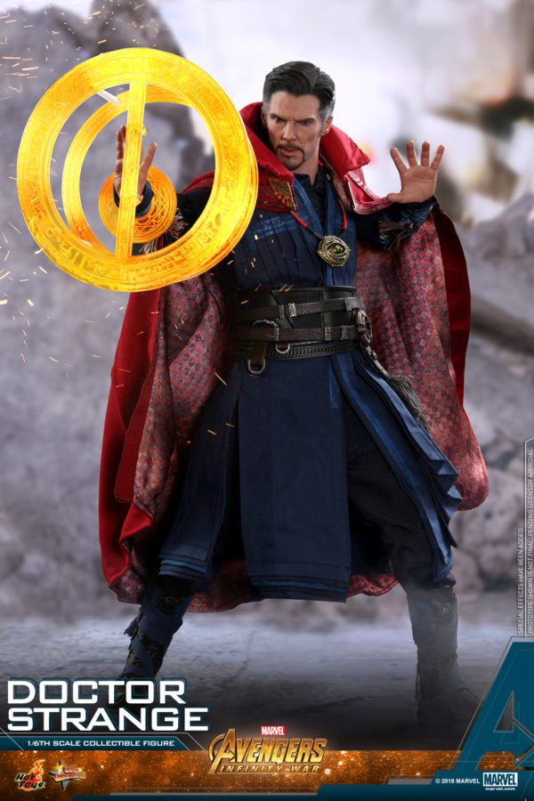 Hot-Toys-AIW-Doctor-Strange-collectible-figure-3-600x900