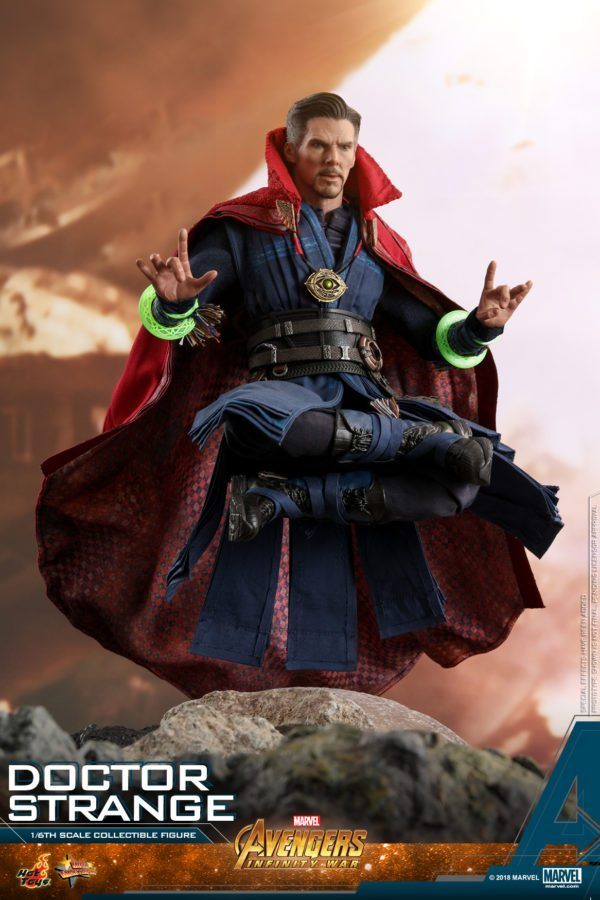 Hot-Toys-AIW-Doctor-Strange-collectible-figure-5-600x900