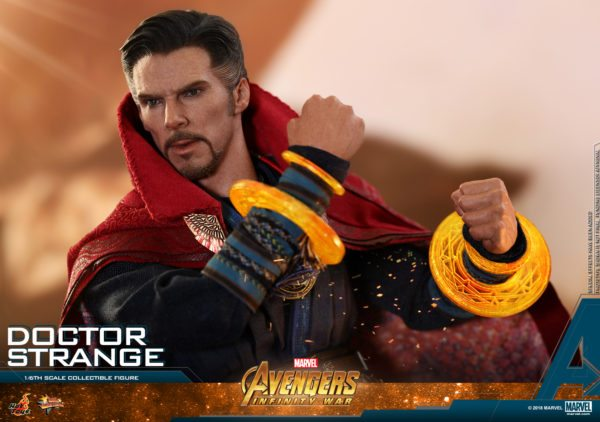 Hot-Toys-AIW-Doctor-Strange-collectible-figure-9-600x422