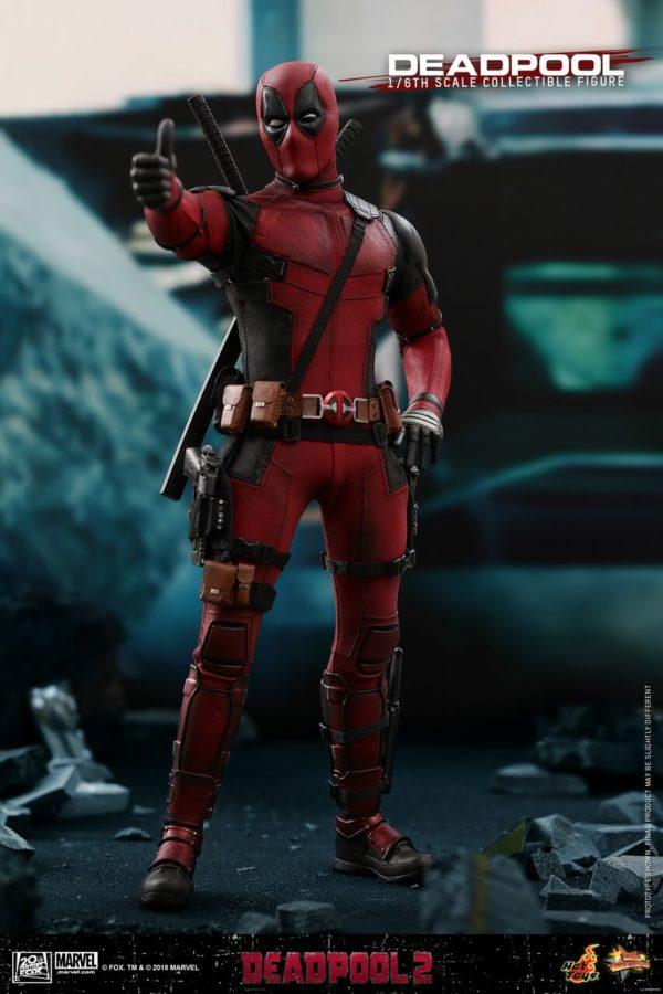 Hot-Toys-Deadpool2-Deadpool-collectible-figure-1-600x900