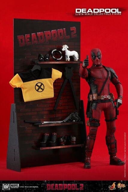 Hot-Toys-Deadpool2-Deadpool-collectible-figure-11