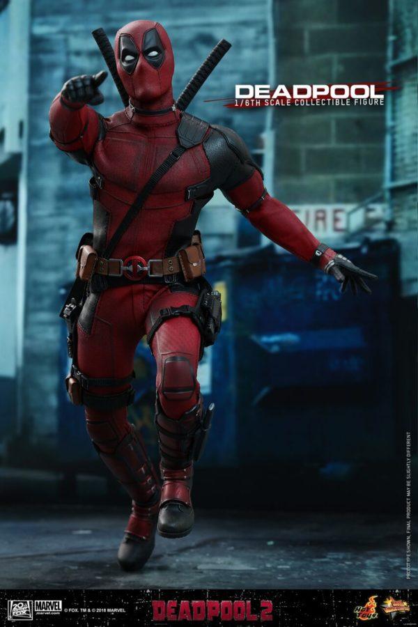Hot-Toys-Deadpool2-Deadpool-collectible-figure-3-600x900