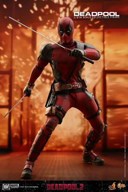 Hot-Toys-Deadpool2-Deadpool-collectible-figure-5