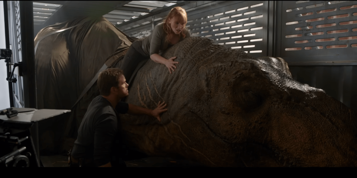 Jurassic-World-Fallen-Kingdom-practical-effects-featurette-screenshot