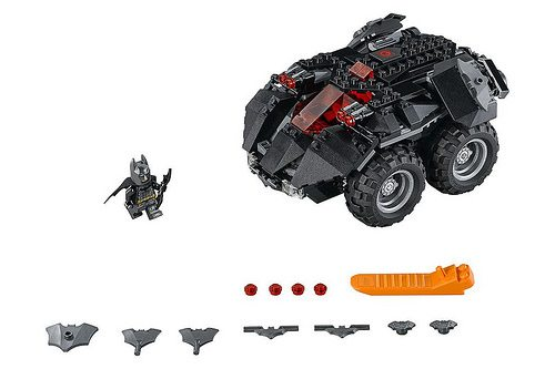 lego 39 s new dc super heroes batman sets include batwoman. Black Bedroom Furniture Sets. Home Design Ideas