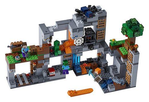 Minecraft-2018-LEGO-3