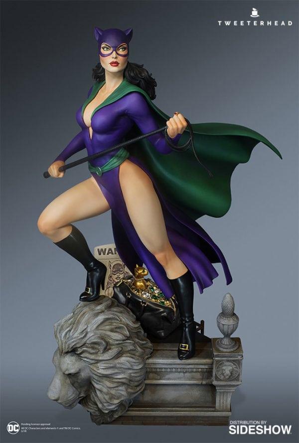 dc-comics-super-powers-catwoman-maquette-3-600x888