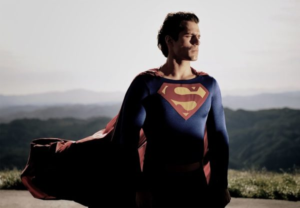 henry-cavill-superman-christopher-reeve-suit-600x416