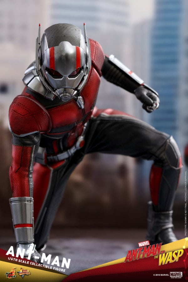 Hot-Toys-Ant-Man-and-The-Wasp-Ant-Man-Collectible-Figure-1-600x900