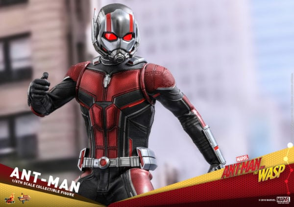 Hot-Toys-Ant-Man-and-The-Wasp-Ant-Man-Collectible-Figure-8-600x422