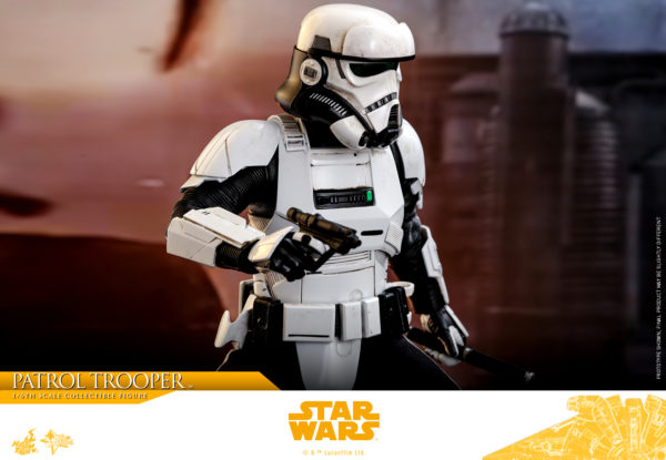 Hot-Toys-Solo-A-Star-Wars-Story-Patrol-Trooper-collectible-figure-6-600x415
