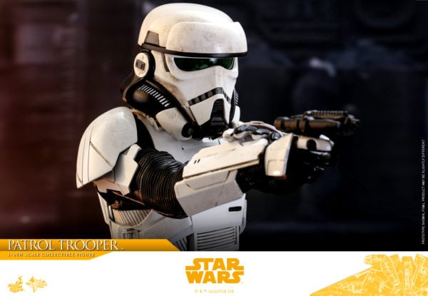 Hot-Toys-Solo-A-Star-Wars-Story-Patrol-Trooper-collectible-figure-7-600x415
