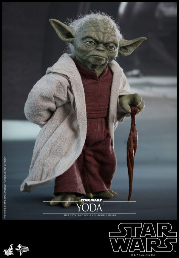 Hot-Toys-Star-Wars-Episode-II-Attack-of-the-Clones-Yoda-Collectible-Figure-3-600x867