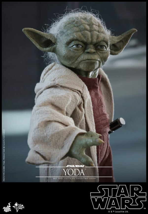 Hot-Toys-Star-Wars-Episode-II-Attack-of-the-Clones-Yoda-Collectible-Figure-6-600x867