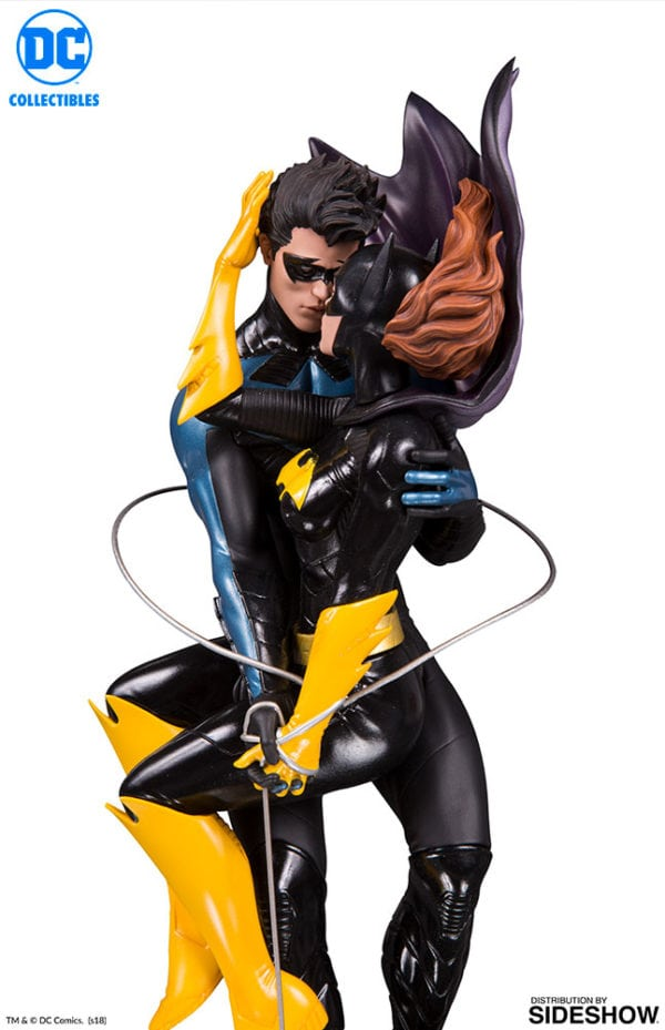 Nightwing-and-Batgirl-statue-4-600x929