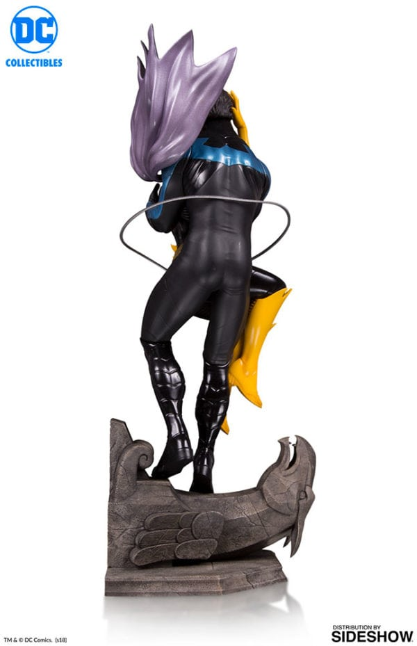 Nightwing-and-Batgirl-statue-5-600x929