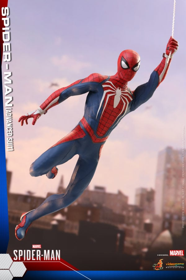 Hot-Toys-Marvel-Spider-Man-Spider-Man-Advanced-Suit-collectible-figure-4-600x900