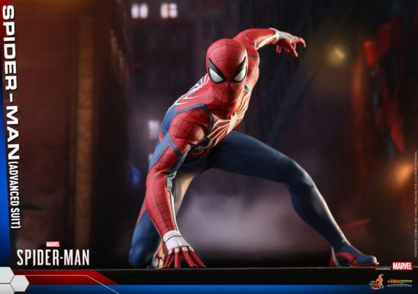 Hot-Toys-Marvel-Spider-Man-Spider-Man-Advanced-Suit-collectible-figure-9-600x422