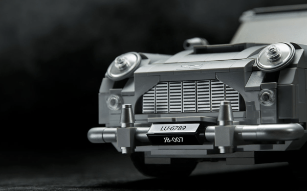 LEGO-Creator-Bond-Aston-Martin-7-600x374
