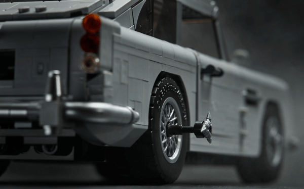 LEGO-Creator-Bond-Aston-Martin-8-600x374