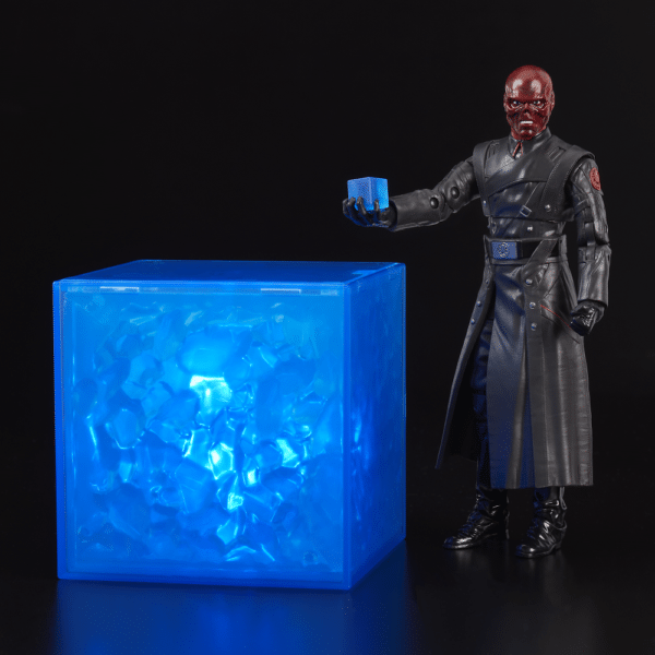 SDCC-2018-Red-Skull-figure-Hasbro-2-600x600