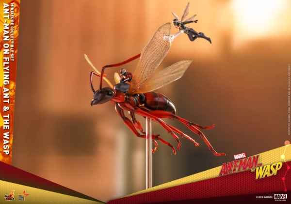 Hot-Toys-Ant-Man-2-Ant-Man-on-Flying-Ant-the-Wasp-miniature-collectible-set-3-600x422