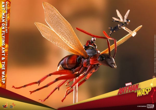 Hot-Toys-Ant-Man-2-Ant-Man-on-Flying-Ant-the-Wasp-miniature-collectible-set-4-600x422