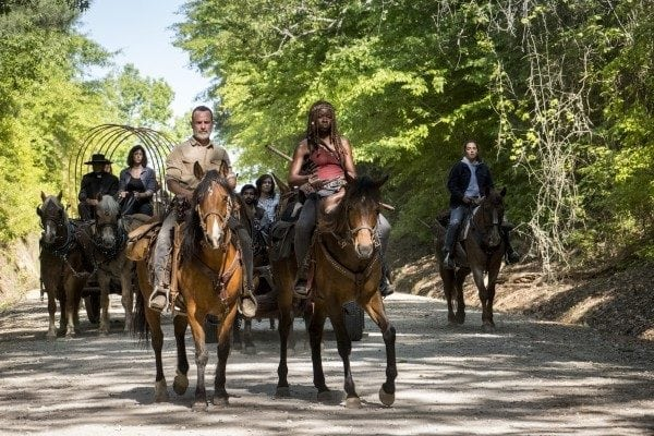 The-Walking-Dead-s9-images-1-600x400