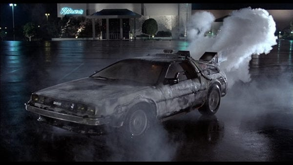 Back-to-the-Future-DeLorean-600x338