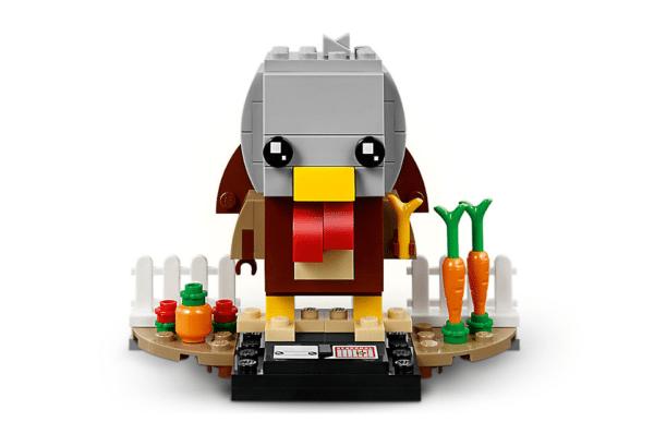 LEGO-Thanksgiving-Turkey-3-600x398
