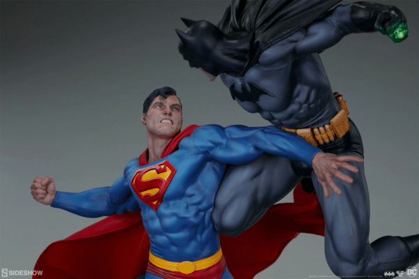 dc-comics-batman-vs-superman-diorama-sideshow-10-600x400