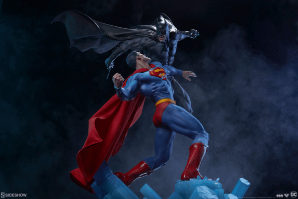 dc-comics-batman-vs-superman-diorama-sideshow-11-600x400
