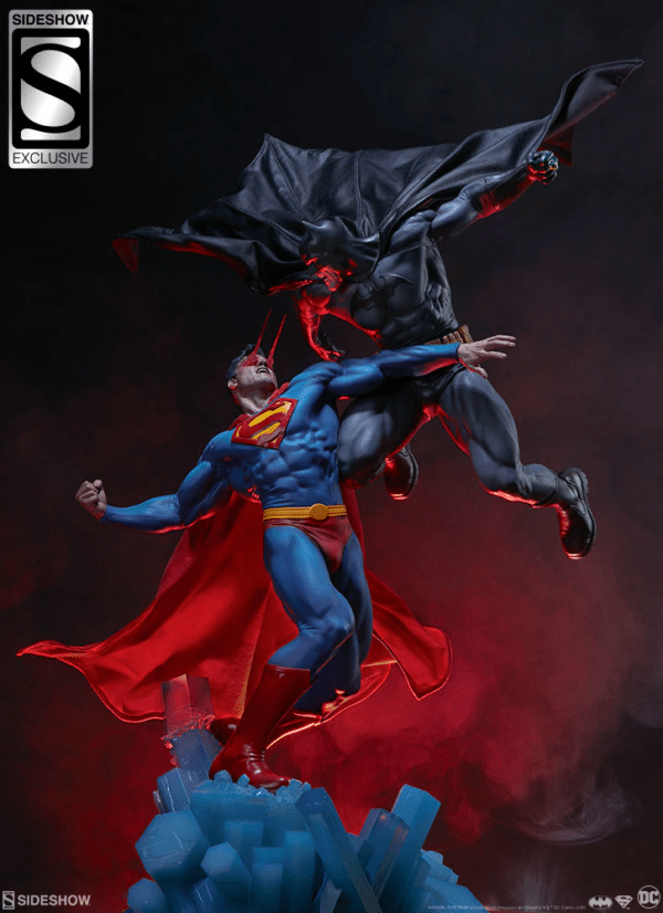 dc-comics-batman-vs-superman-diorama-sideshow-2-600x826