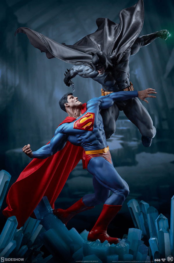 dc-comics-batman-vs-superman-diorama-sideshow-3-600x906
