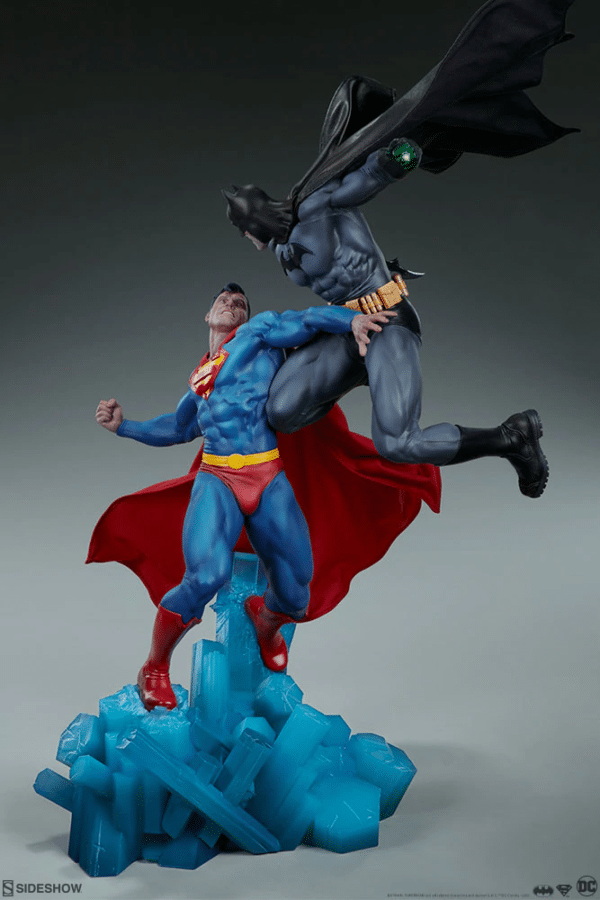 dc-comics-batman-vs-superman-diorama-sideshow-5-600x900
