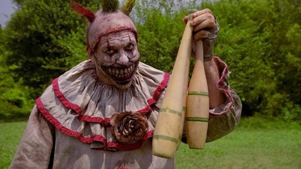 john-carroll-lynch-twisty-the-clown-american-horror-story-freak-show-amanda-says-ftr-600x337
