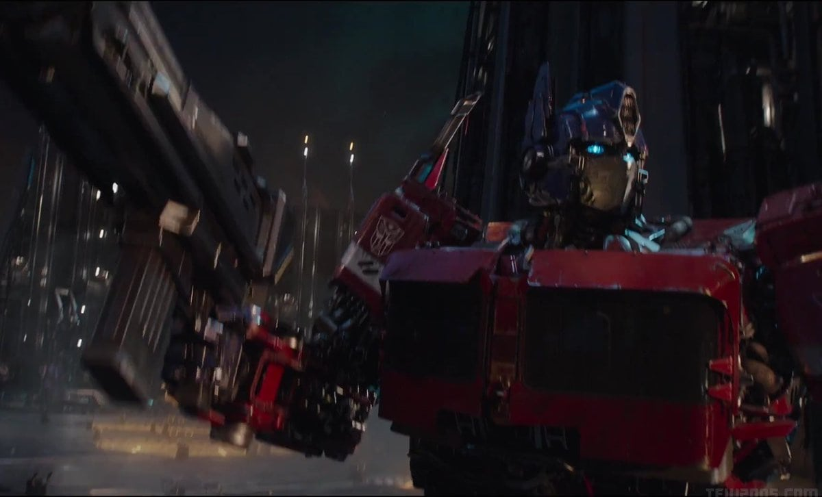 bumblebee featurette showcases the transformers g1