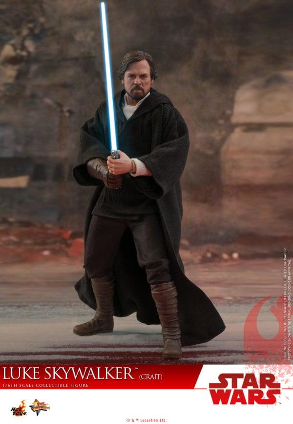 Hot-Toys-SWTLJ-Luke-Skywalker-Crait-collectible-figure-2-600x867