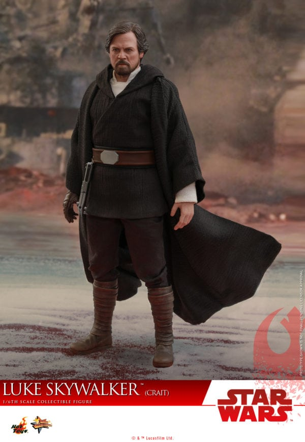 Hot-Toys-SWTLJ-Luke-Skywalker-Crait-collectible-figure-3-600x867
