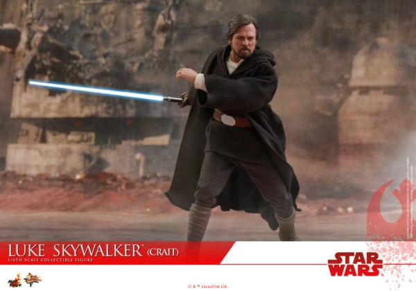Hot-Toys-SWTLJ-Luke-Skywalker-Crait-collectible-figure-9-600x420