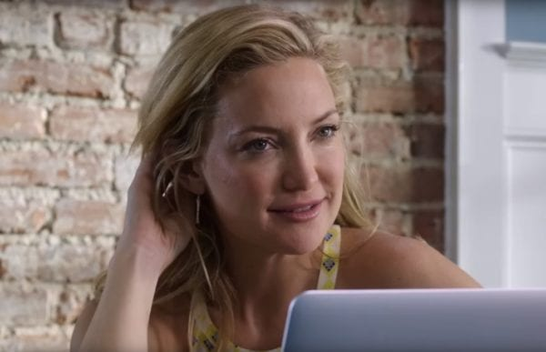 Kate-Hudson-Mothers-Day-trailer-screenshot-600x387