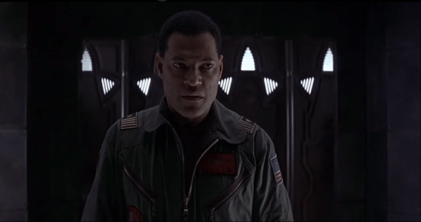Lawrence-Fishburne-Event-Horizon-screenshot-600x317
