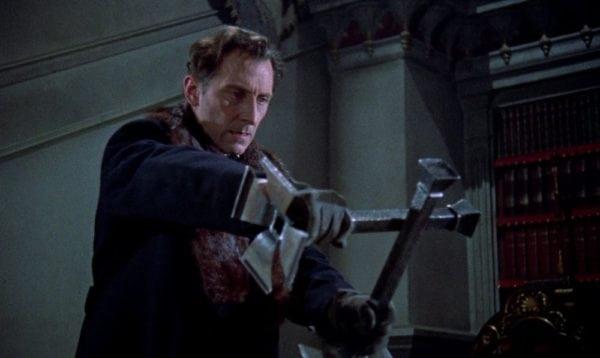 Peter-Cushing-Horror-of-Dracula-600x358