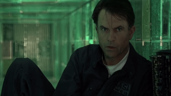 Sam-Neill-Event-Horizon-screenshot-600x339