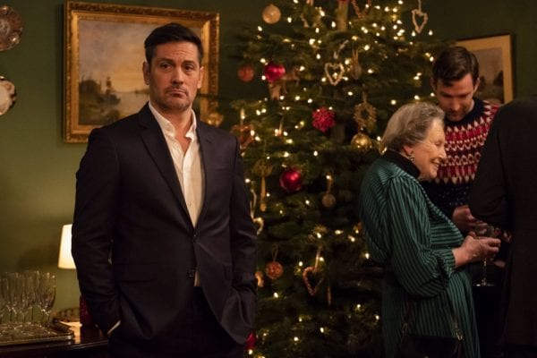 Surviving Christmas With The Relatives 2020 Trailer Festive comedy Surviving Christmas with the Relatives gets a