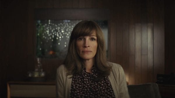 homecoming-julia-roberts-600x338